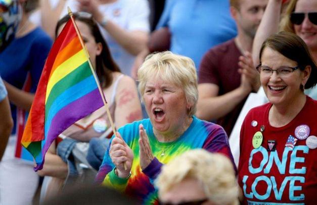 同性婚姻的合法化和鸡肉三明治连锁店兼谈牡蛎的繁殖